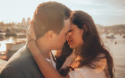 How to Kiss a Woman Without Being Rejected